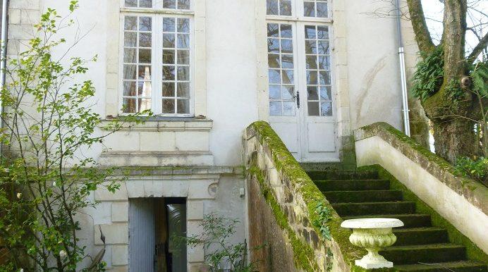 1 1 Vertic pavillon esca